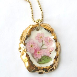 Necklace with pink flower
