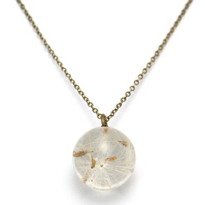 Necklace dandelion seeds