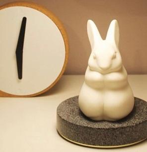 Rabbit sculpture white