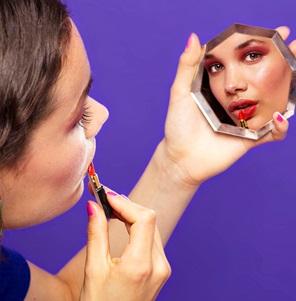 Lippenstift broche*