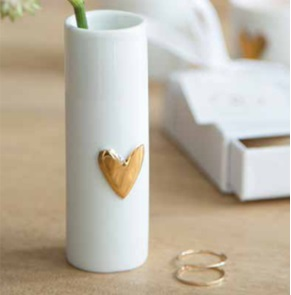 2 Love vases gold