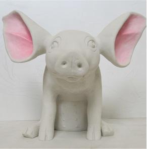 Miss Biggy sculpture