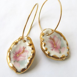 Earrings pink flower
