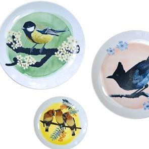 Plague bird plate