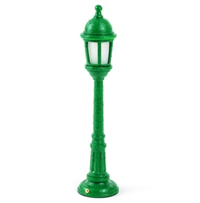 Street Lamp Dining Green