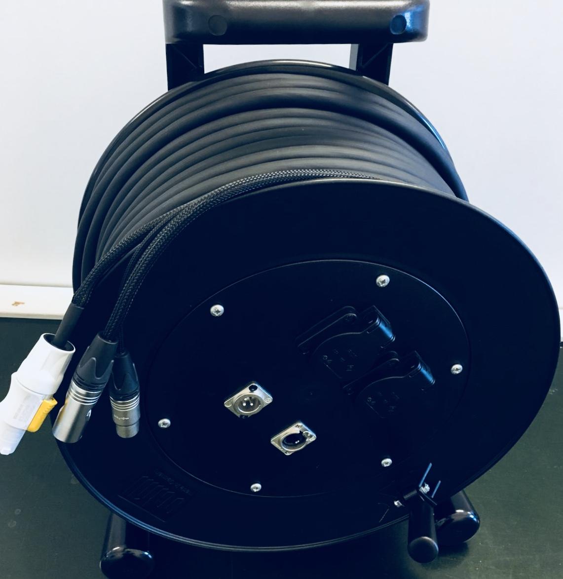 DMX/Digitaal  3 polig en  Stroom kabel  C283soft op Schill Haspel