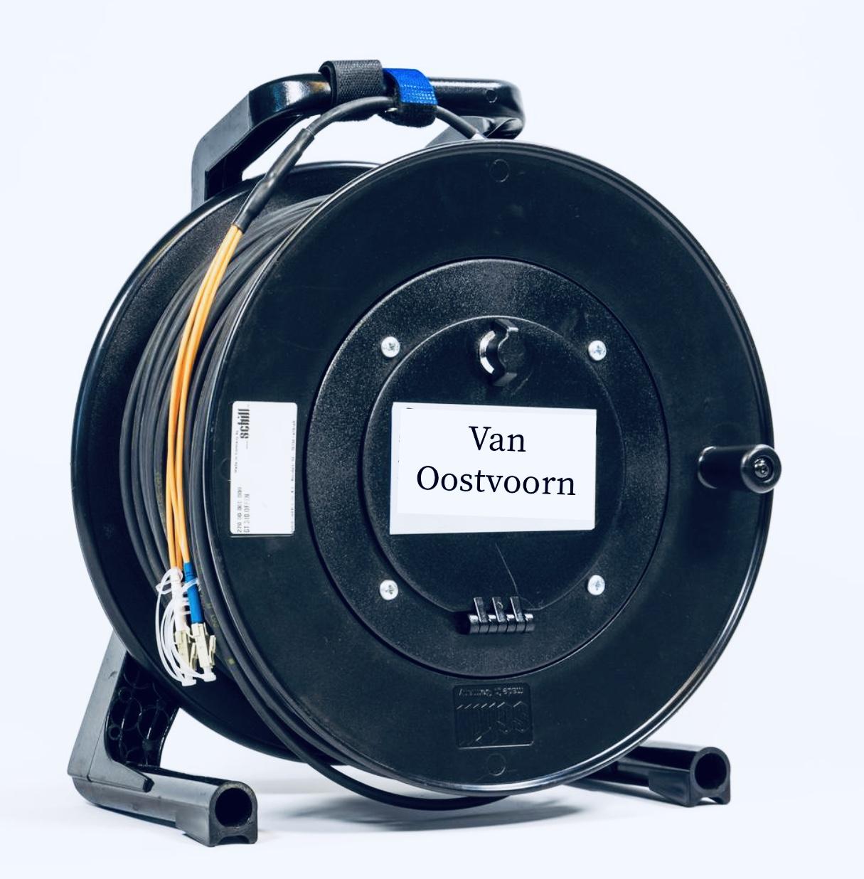 Glasvezel OCC Broadcast . Breakout  Fiber Multimode kabel . Connectoren  2 LC - 2 LC  op Schill Haspel