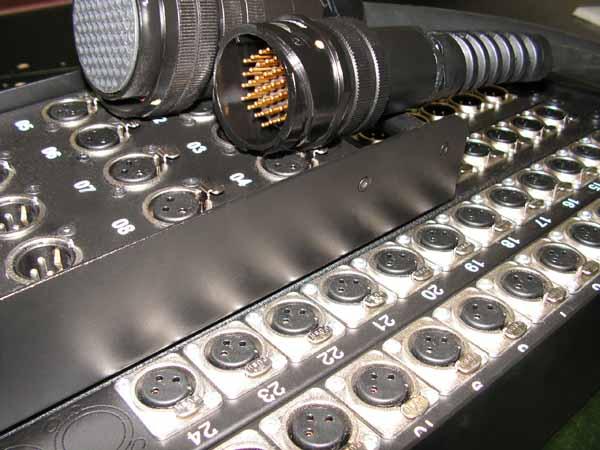 Stagebox Analoque 12 inputs Neutrik NC3FD.Out LK37.Tasker cable C312