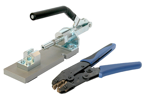 HX-TT-1<br />The assembly tool HX-TT-1 consists of a crimp tool and a press tool to assemble NP3TT-1-* and NP3TT-AU-* plugs.