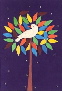 Vogel in een kleurige boom