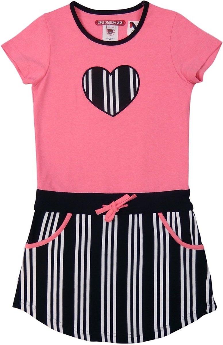 https://myshop.s3-external-3.amazonaws.com/shop3044400.pictures.lovestation22-dress-skylar-bw-neon-pink.jpg