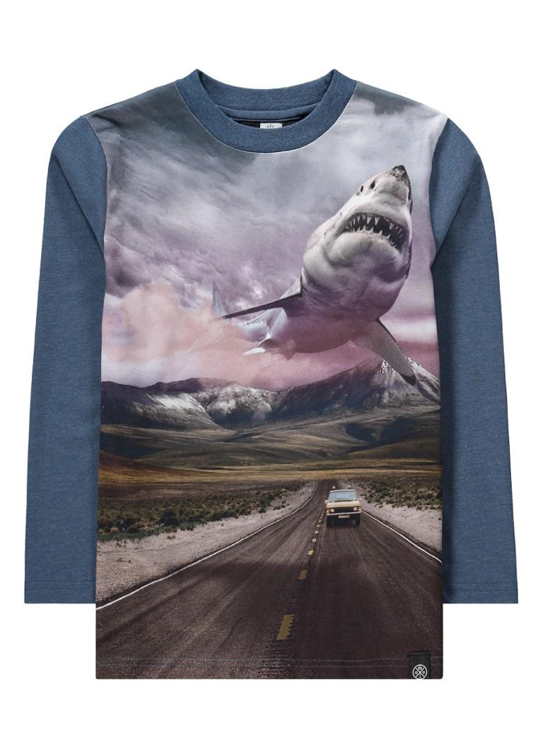 https://myshop.s3-external-3.amazonaws.com/shop3044400.pictures.molo-longsleeve-robinson-shark-sunset.jpg