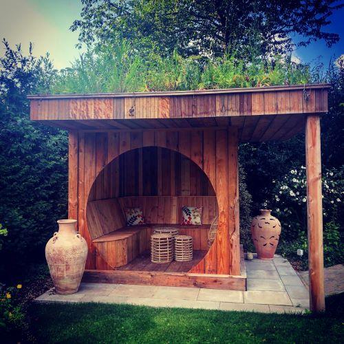10 - 100% gereycled houten huis.
