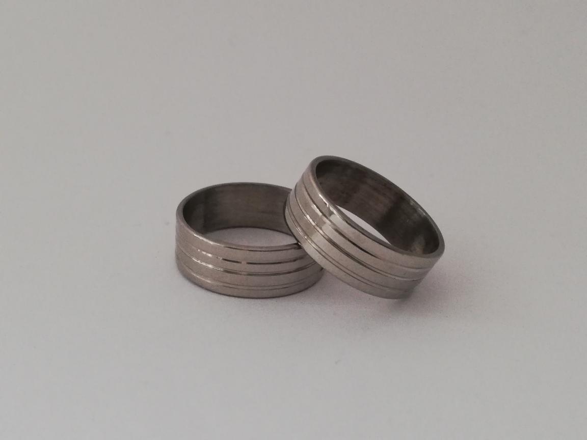 Zilverkleurig met ribbel