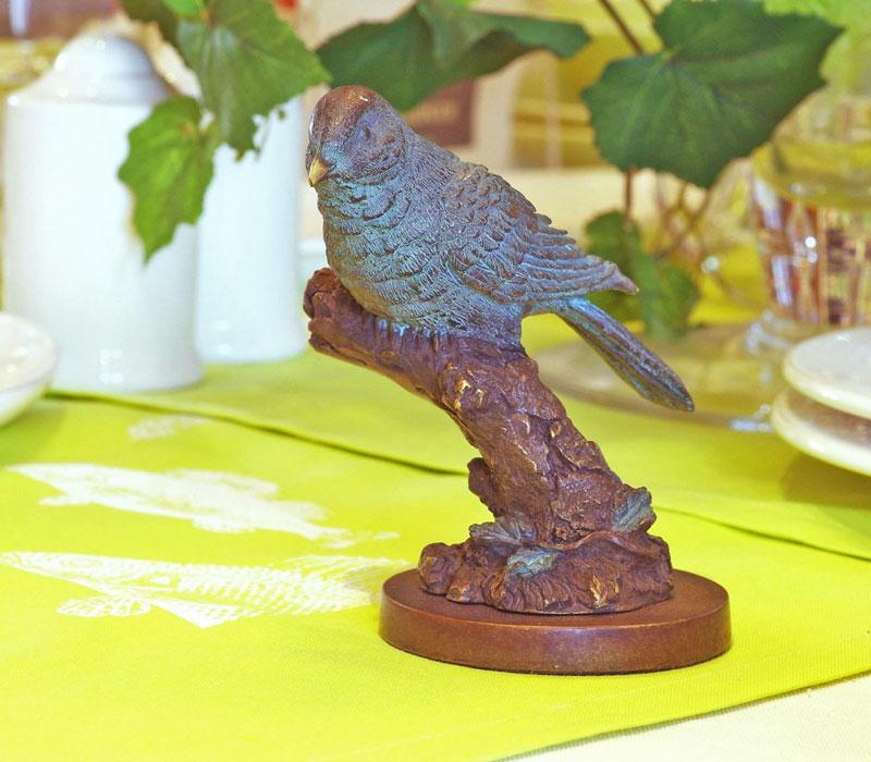 Bronzen beeld vogeltje op tak