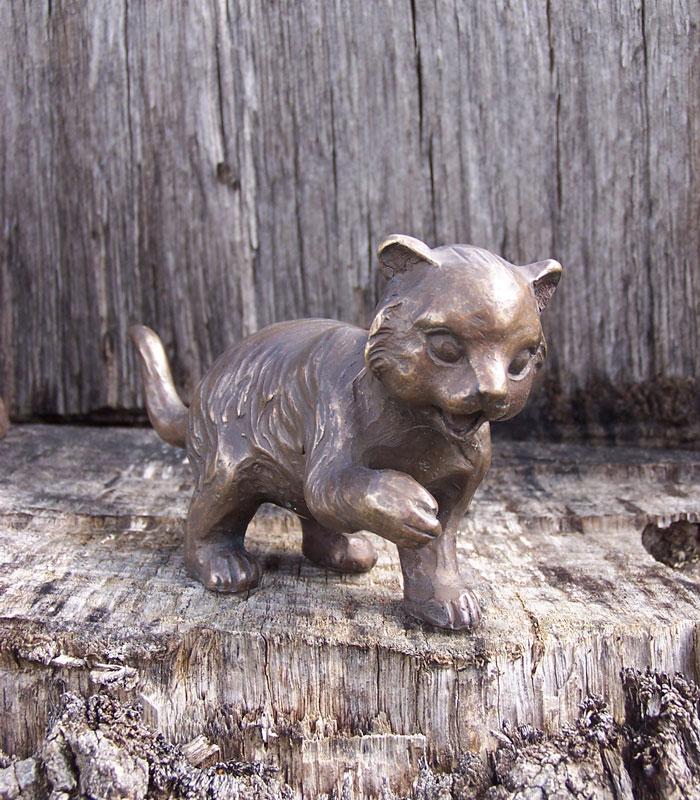 Bronzen beeld Speels poesje
