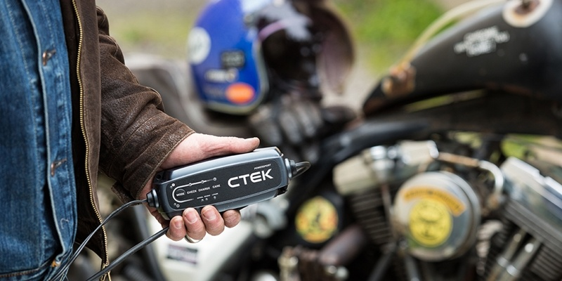CTEK CT5 POWERSPORT Battery Charger - Lithium