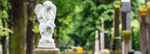 Bij ons vindt U ook een duurzame graflantaarn of passende grafdecoratie