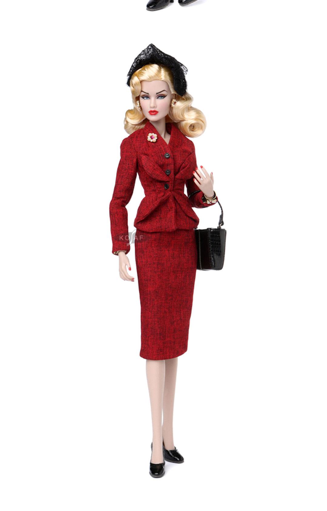 Gloria Grandbuilt Dressed Doll