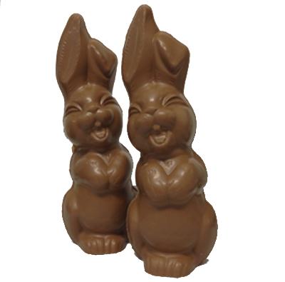 Lachende paashaas van chocolade - melk (25 cm hoog) Minimale afname 10 stuks