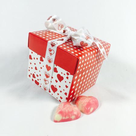 Kubus met 250 gram assorti bonbons