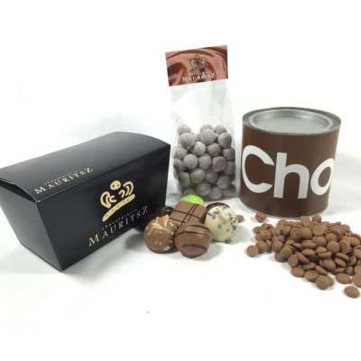 Chocolade verwenpakket (bonbons, hazelnoten en Callebaut chocoladedruppels)