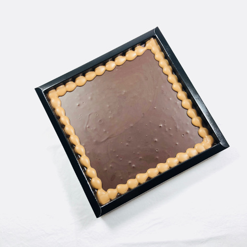 Tablet Puur 400 gram met uw eigen tekst op chocolade! Maximaal 40 karakters.