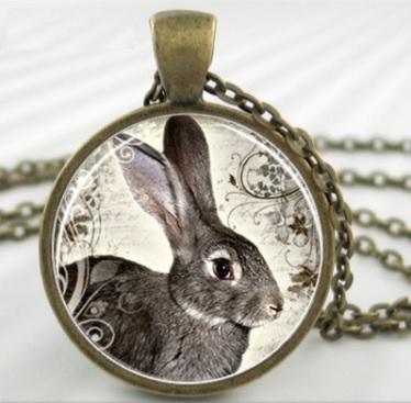 ketting brons met konijn