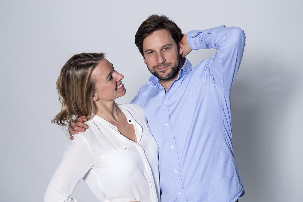 man en vrouw zonder zweetplekken onder de oksels