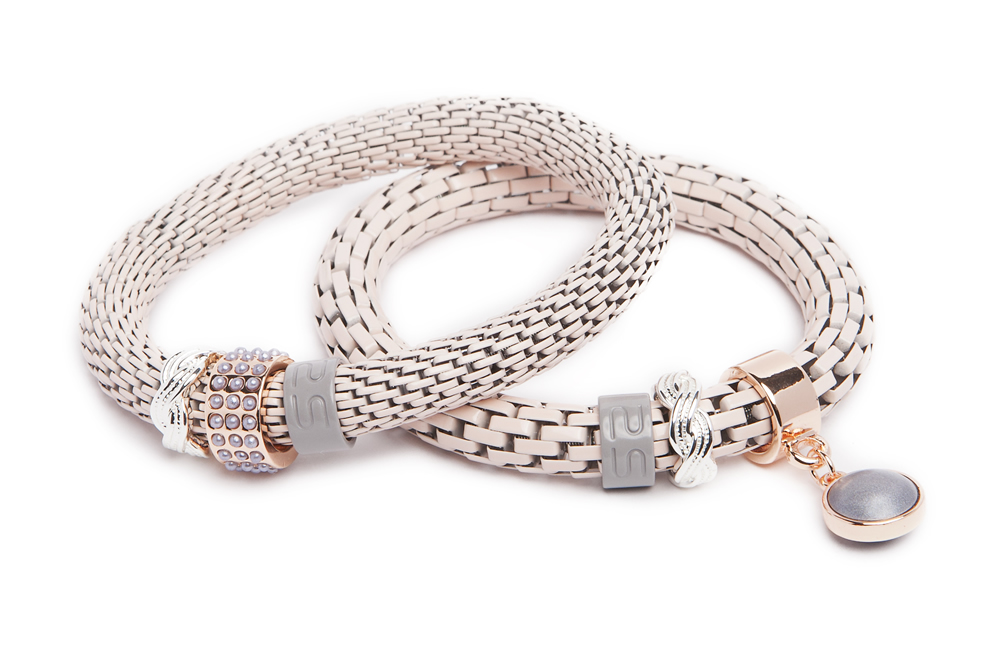 https://myshop.s3-external-3.amazonaws.com/shop5646700.pictures.16FW16_Silis_Bracelets_The_snake_strass_bracelet_creme_Stunning_pearl.jpg