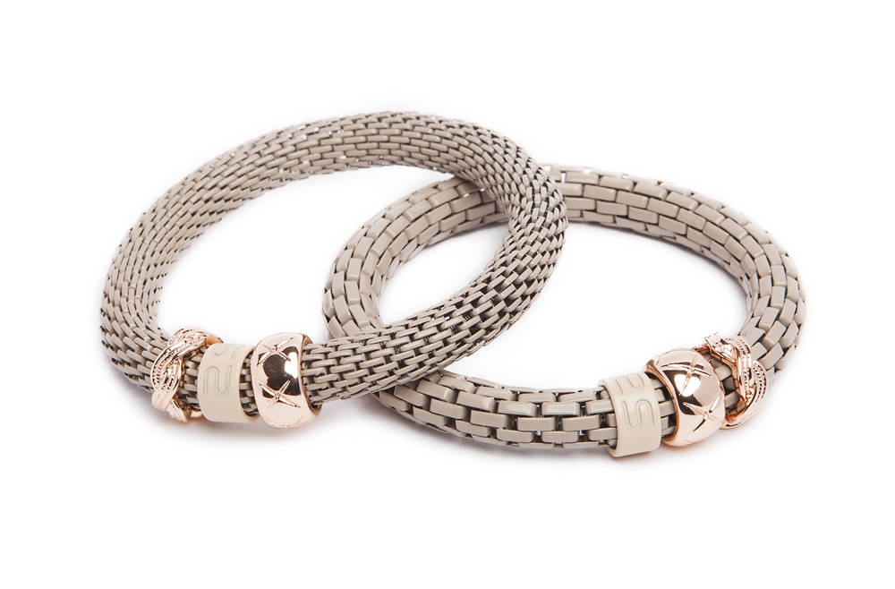 https://myshop.s3-external-3.amazonaws.com/shop5646700.pictures.16FW19_Silis_Bracelets_The_snake_strass_bracelet_Color_taupe_Gold_carre.jpg