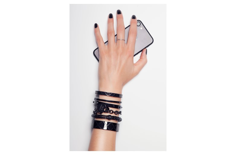 The Bangle Carré Classic Black | Silis Bracelet