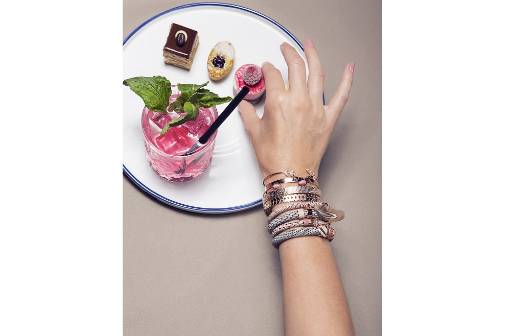 THE BANGLE CHARM | ROSÉ ALL DAY & ARROW | SILIS ARMBAND
