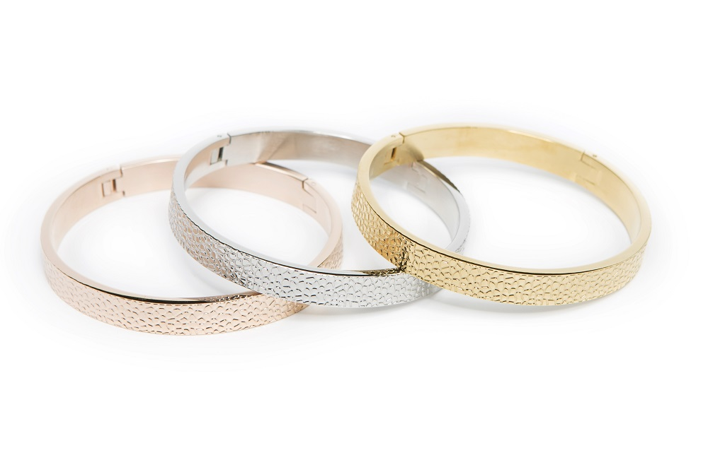 The Bangle Sculpture Gold Out | Silis Bracelet