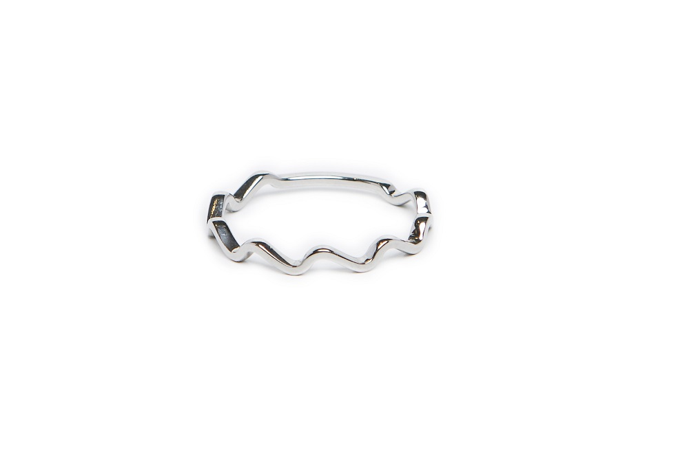 The Ring Wave So Silver | Silis Stackable Ring