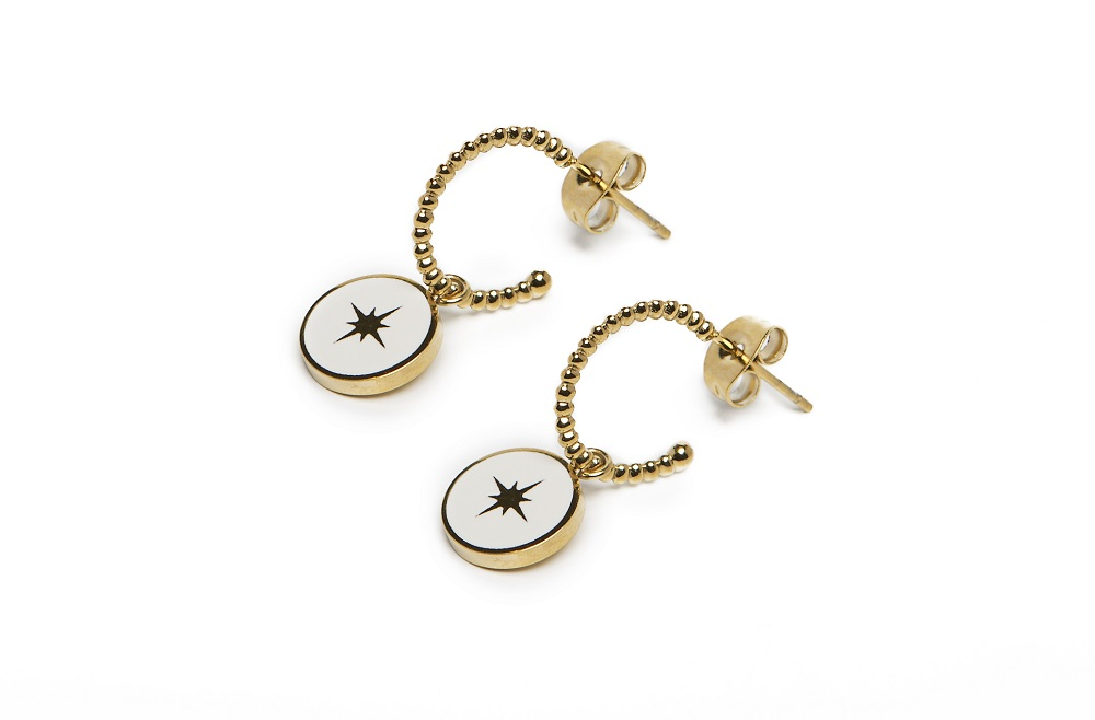 The Earrings Star Color Gold Out & White | Silis Charm Earrings