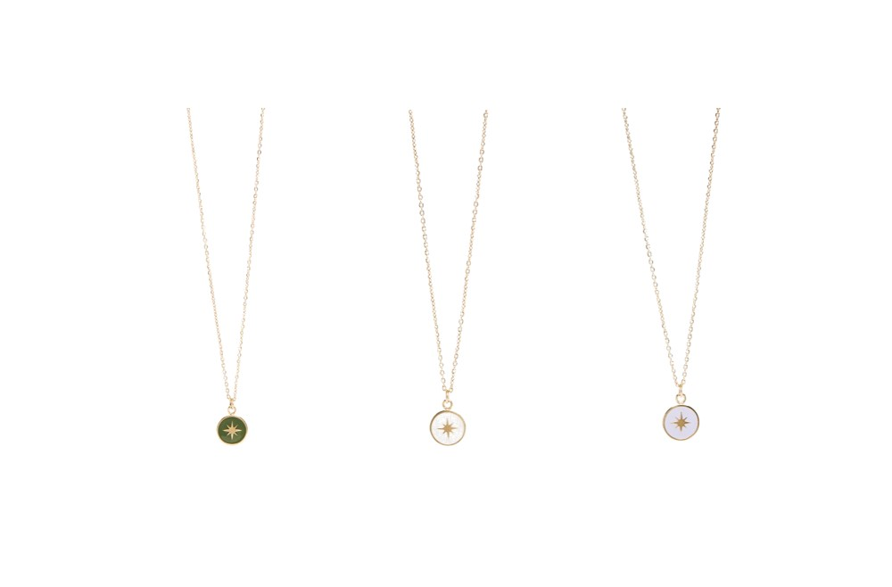 The Necklace Star Color Gold Out & White | Silis Charm Necklace