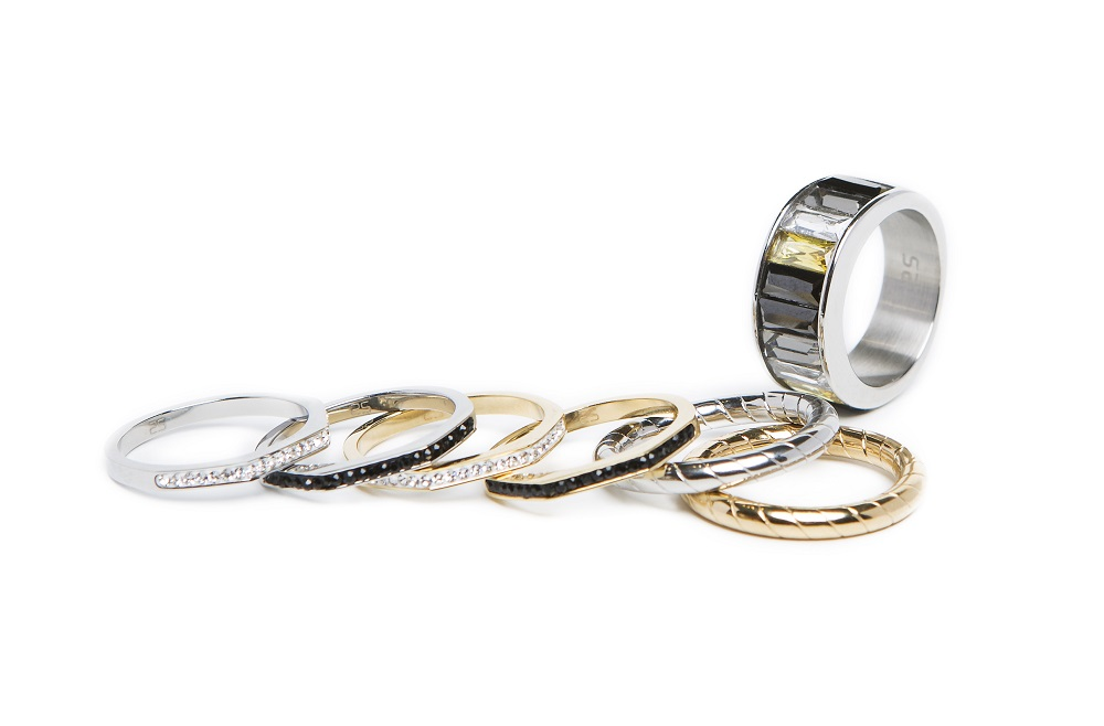 The Ring Hoop Gold Out - IPG Gold Plating | Silis Stackable Ring