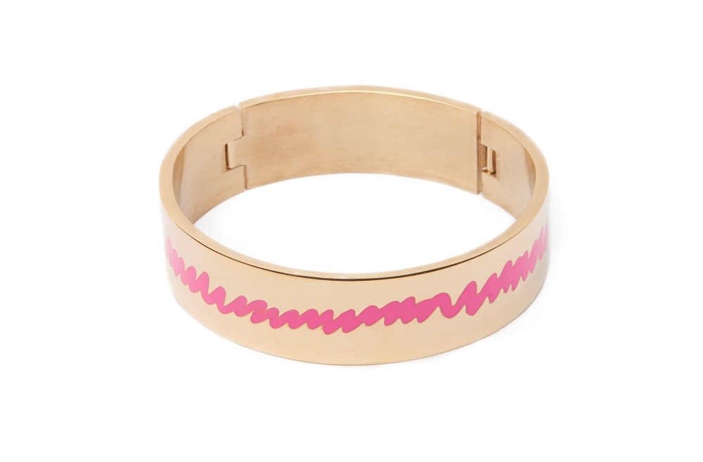 https://myshop.s3-external-3.amazonaws.com/shop5646700.pictures.SS1729_Silis_The_bangle_XL_bracelets_Gold_pink_enamel_Bracelet.jpg