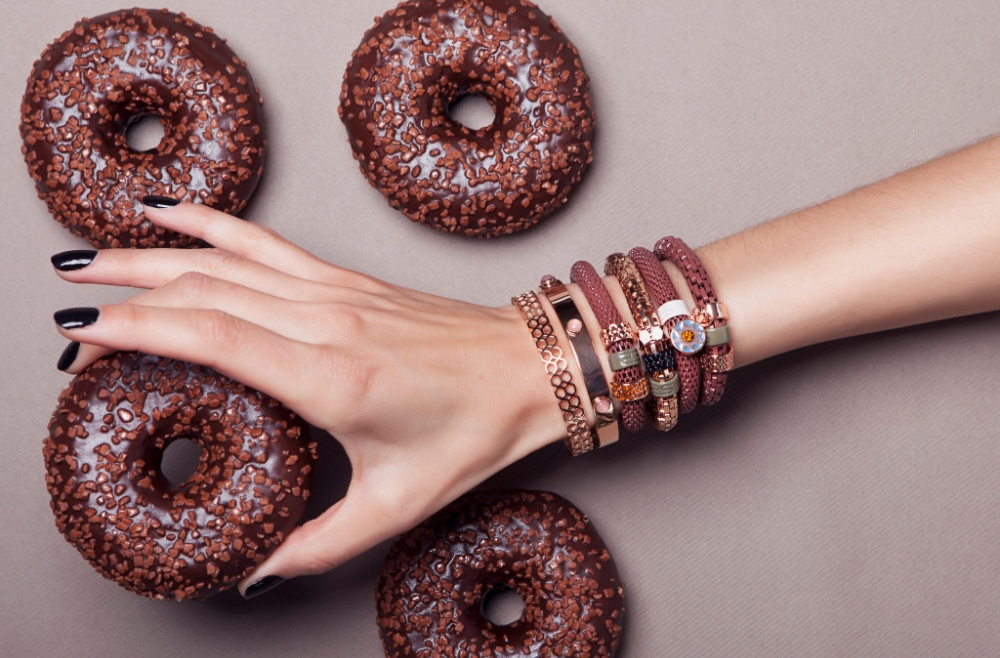 The Snake Strass Chocolate Hotty & Star Charm | Silis Bracelet