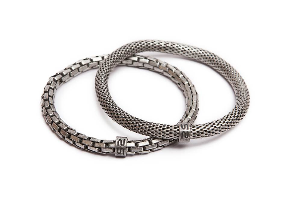 https://myshop.s3-external-3.amazonaws.com/shop5646700.pictures.Silis_Mrsilis_02_Mens_Bracelet.jpg