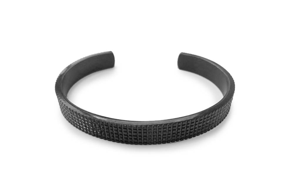 https://myshop.s3-external-3.amazonaws.com/shop5646700.pictures.Silis_Mrsilis_14_Mens_Bracelet.jpg