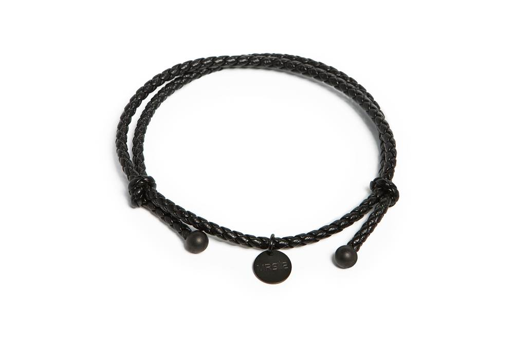 https://myshop.s3-external-3.amazonaws.com/shop5646700.pictures.Silis_Mrsilis_17a_Mens_Bracelet.jpg