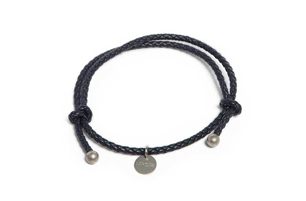 https://myshop.s3-external-3.amazonaws.com/shop5646700.pictures.Silis_Mrsilis_18a_Mens_Bracelet.jpg