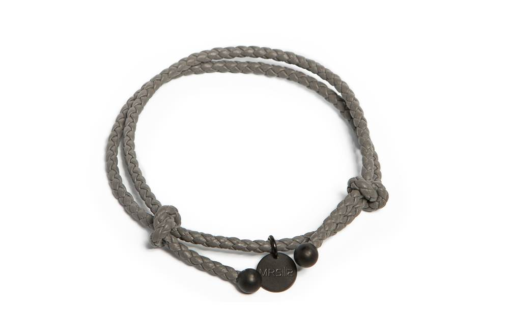 https://myshop.s3-external-3.amazonaws.com/shop5646700.pictures.Silis_Mrsilis_19_Mens_Bracelet.jpg