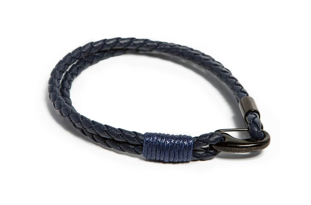 https://myshop.s3-external-3.amazonaws.com/shop5646700.pictures.Silis_Mrsilis_22_Mens_Bracelet.jpg