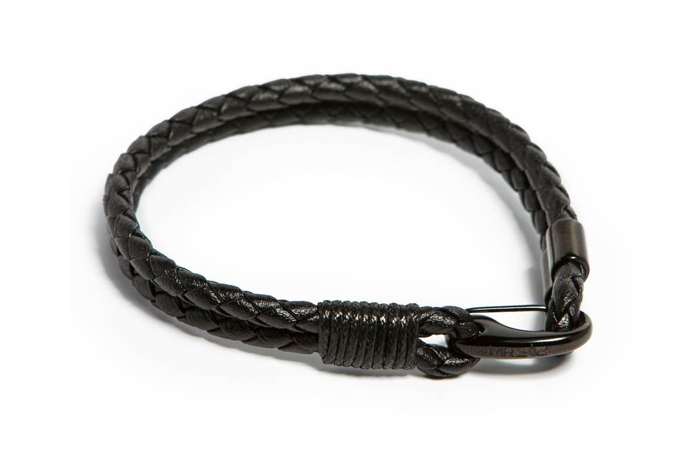 https://myshop.s3-external-3.amazonaws.com/shop5646700.pictures.Silis_Mrsilis_23_Mens_Bracelet.jpg
