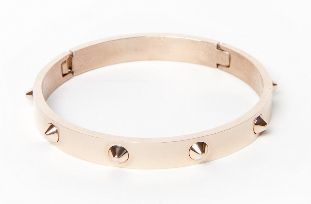 https://myshop.s3-external-3.amazonaws.com/shop5646700.pictures.Silis_The_bangle_studs_pinkgold_Bracelet.jpg