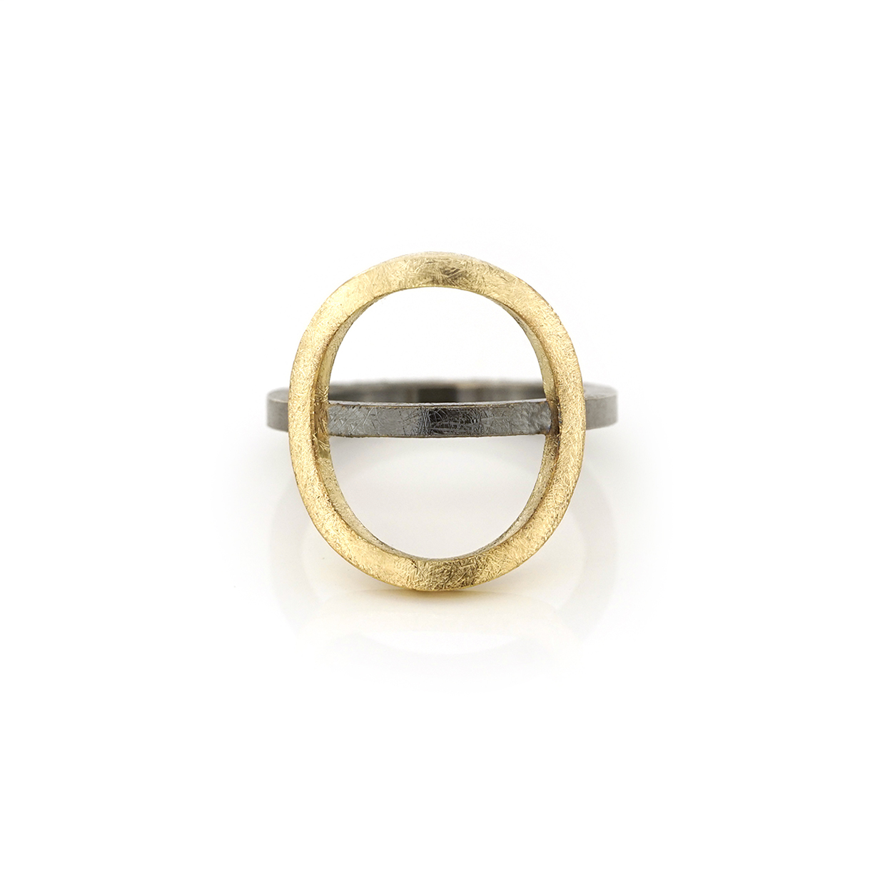 Silver ring with big gold circle